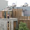 <p> Với 3 tầng, ngôi nhà là một nơi ấm cúng với đầy đủ không gian để ở, nghỉ ngơi và thư giãn.</p>