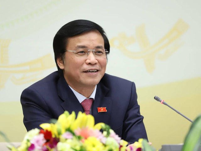 Tổng thư ký Quốc hội, Chủ nhiệm Văn phòng Quốc hội Nguyễn Hạnh Phúc chủ trì họp báo.