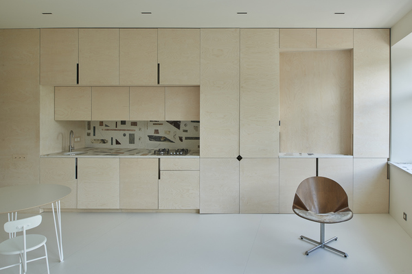 Căn hộ 38 m2 với tường kiểu đồ nội thất