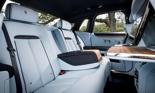 Xe Rolls-Royce phải thêm tiếng ồn vì quá yên tĩnh