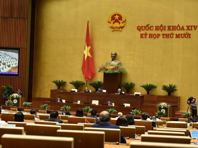 Sáng 22/10, Quốc hội đã thảo luận lần cuối về những vấn đề còn có ý kiến khác nhau của dự án luật -