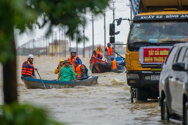 WB: Hàng tỷ USD tăng trưởng có nguy cơ bị cuốn sạch vì lũ lụt