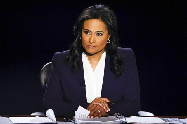Kristen Welker, nhà báo của kênh NBC, cầm trịch cuộc tranh luận tổng thống lần hai tại Đại học Belmont, thành phố Nashville, bang Tennessee tối 22/10. Ảnh: AP.