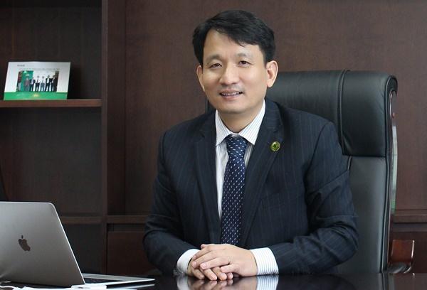 Tổng giám đốc OCB Nguyễn Đình Tùng.