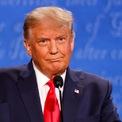 """<p class=""""Normal""""> Cuộc tranh luận này là một trong những cơ hội cuối cùng để Tổng thống Trump tái định hình chiến dịch tranh cử của bản thân trong bối cảnh đại dịch Covid-19 vẫn hoành hành tại Mỹ, làm hơn 221.000 người. Ông bị đối thủ Biden dẫn trước trong các kết quả thăm dò toàn quốc suốt nhiều tháng, khoảng cách chênh lệch hẹp hơn tại một số bang chiến địa có tính then chốt.</p>"""