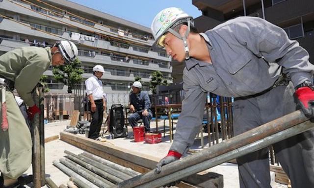 Việc giao đơn vị sự nghiệp công lập thuộc UBND tỉnh đưa người lao động làm việc ở nước ngoài theo đề xuất của Chính phủ vẫn còn ý kiến trái chiều.
