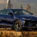 """<p class=""""Normal""""> <strong>2. Lamborghini Urus 2020</strong></p> <p class=""""Normal""""> """"Siêu SUV"""" Lamborghini Urus được trang bị động cơ tăng áp kép V8 4.0L, cho công suất 650 mã lực tại 6.000 vòng/phút và mô-men xoắn 850 Nm tại 2.250-4.500 vòng/phút.</p> <p class=""""Normal""""> Đây cũng là khối được cơ được Audi RS Q8 sử dụng. Tuy nhiên, sau những sự tinh chỉnh đến từ Lamborghini, động cơ này đã được cải thiện đáng kể về hiệu năng.<br /><br /><span>Thời gian tăng tốc 0-96 km/h: 3,5 giây</span></p> <p class=""""Normal""""> Tốc độ tối đa : 306 km/h</p>"""