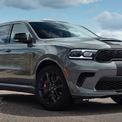 """<p class=""""Normal""""> <strong>5. Dodge Durango SRT Hellcat 2021</strong></p> <p class=""""Normal""""> Mẫu SUV 7 chỗ Dodge Durango SRT Hellcat 2021 được trang bị động cơ siêu nạp 6.2L, công suất 710 mã lực tại 6.100 vòng/phút, mô-men xoắn 875 Nm tại 4.300 vòng/phút. Xét về thông số động cơ, đây là một trong những chiếc SUV nguyên bản mạnh mẽ nhất thế giới hiện tại.<br /><br /><span>Thời gian tăng tốc 0-96 km/h: 3,5 giây</span></p> <p class=""""Normal""""> Tốc độ tối đa: 290 km/h.</p>"""