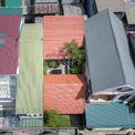 <p> Với diện tích mặt tiền 7,1 m, dài 19 m, các kiến trúc sư đã cân nhắc phương án tận dụng toàn bộ không gian để phục vụ sinh hoạt như những ngôi nhà ống lân cận hay tạo sự khác biệt.</p>