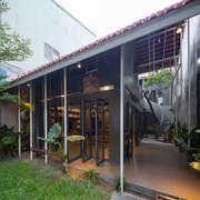 Nhà 120 m2 tại Vinh được thiết kế cho cậu con trai nhỏ sống cùng mẹ