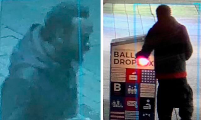 Người đàn ông xuất hiện gần thùng phiếu bị đốt ở Boston, Massachusetts, hôm 25/10. Ảnh: CBS Local.
