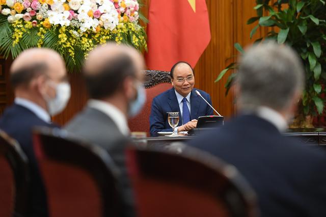 Thủ tướng Nguyễn Xuân Phúc tại buổi làm việc vớiCơ quan Phát triển tài chính quốc tế Hoa Kỳ.