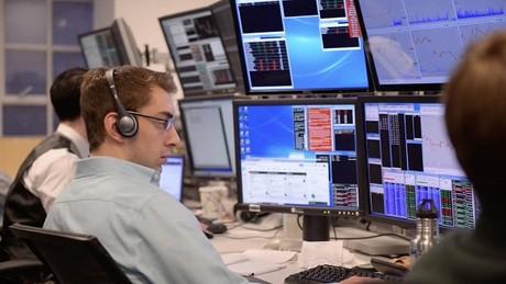 Khối ngoại rút ròng 420 tỷ đồng trong phiên 26/10, vẫn bán mạnh MSN