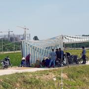 Bí thư Hà Nội yêu cầu giải quyết việc chặn xe vào bãi rác