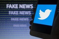 Twitter mạnh tay với nạn tin giả trước thềm cuộc bầu cử Mỹ