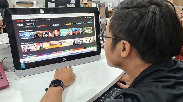 Netflix có khoảng 300.000 thuê bao sử dụng tại Việt Nam. Ảnh: Hạ Huy.
