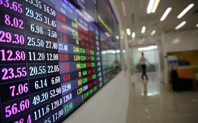 Lực bán lại dâng cao, VN-Index giảm hơn 4 điểm