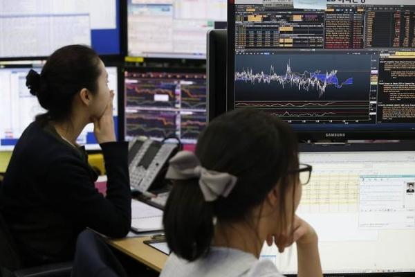 Thị trường châu Á trái chiều, thận trọng trước nguy cơ từ Covid-19