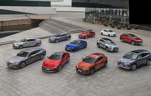 Doanh số một năm của Mercedes xấp xỉ 30 năm Lexus tại châu Âu