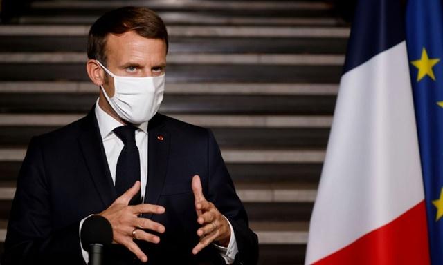 Tổng thống Pháp Emmanuel Macron công bố lệnh phong tỏa toàn quốc khi Covid-19 bùng phát mạnh trở lại tại nước này. Ảnh: Reuters.