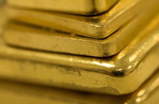 Nhóm tiêu thụ vàng lớn thứ 2 thế giới bắt đầu bán ra
