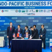 Tập đoàn Mỹ ký hợp tác kho cảng tỷ đô tại Việt Nam