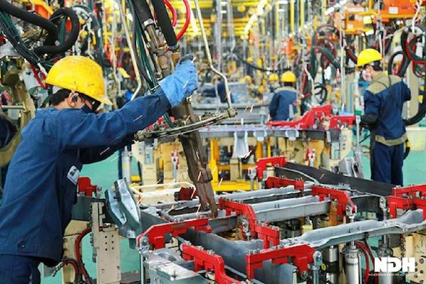 Kinh tế Việt Nam đã đạt được những gì sau 10 tháng?