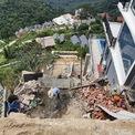 """<p> <span style=""""text-align:center;"""">Một công trình đang xẻ núi, san nền để xây dựng tại thôn 2, Thị trấn Tam Đảo.</span></p>"""