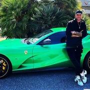Hãng siêu xe Ferrari thắng kiện nhà mốt lừng danh