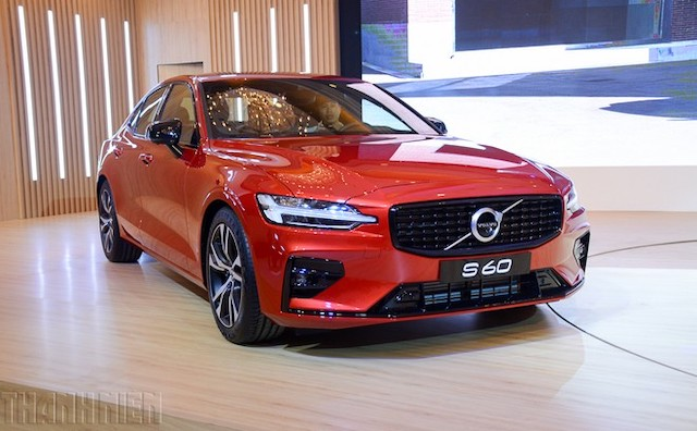 Volvo S60 giá 1,69 tỷ đồng, cạnh tranh Mercedes C-Class, BMW 3-Series