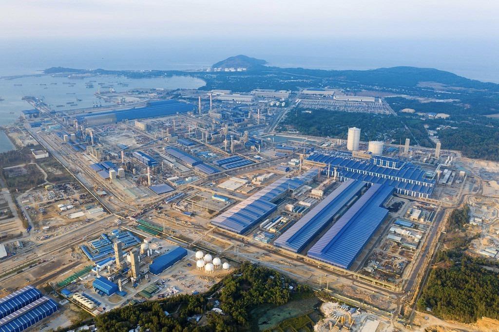 Sập mái nhà xưởng của công ty thép Hoà Phát Dung Quất, 3 người tử vong