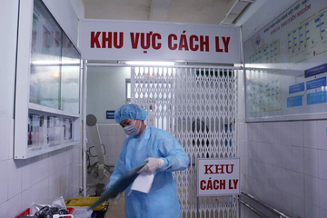 Thêm 10 người nhập cảnh nhiễm nCoV
