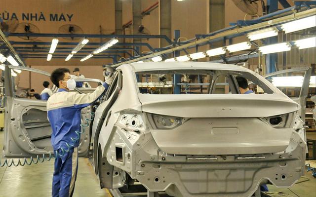 Ôtô lắp ráp ở Việt Nam phải nhập 80% linh kiện