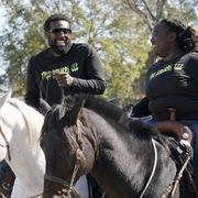 Cử tri cưỡi ngựa đi bỏ phiếu trong ngày bầu cử tổng thống Mỹ