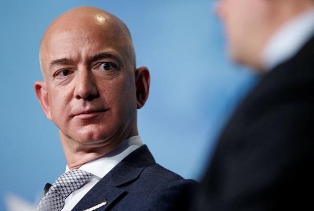 Tỷ phú Jeff Bezos bán cổ phiếu Amazon, nhận hơn 3 tỷ USD tiền mặt