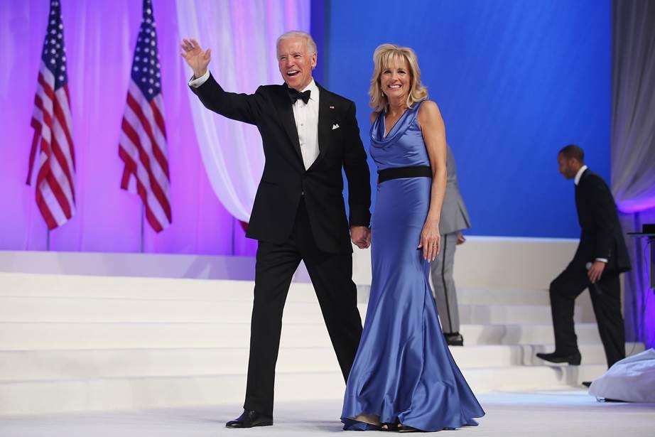 Phong cách thời trang của vợ ông Joe Biden