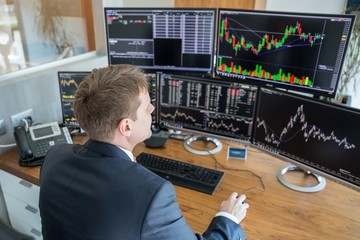Tự doanh CTCK rút ròng trở lại 444 tỷ đồng trong tuần 2-6/11, VIC và DIG bị bán mạnh