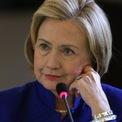 """<p> Là nhân vật chịu trách nhiệm chính về mặt giao tế xã hội của Nhà Trắng, song chính phủ và người dân xứ cờ hoa lại không hy vọng các đệ nhất phu nhân can thiệp quá sâu về chính trị, điển hình là trường hợp của bà Hillary Clinton. Dù có những sáng kiến tích cực và hoạt động năng nổ trên chính trường, cựu đệ nhất phu nhân thứ 42 của nước Mỹ lại không nhận được sự ủng hộ của công chúng. Trong thời gian tại vị, bà nhận về nhiều lời chỉ trích vì """"lấn át chồng"""" và """"quá cứng rắn"""". Ảnh: <em>Getty.</em></p>"""