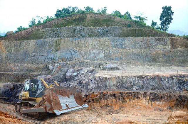 Đức Giang được cấp phép khai thác mỏ apatit đầu tiên