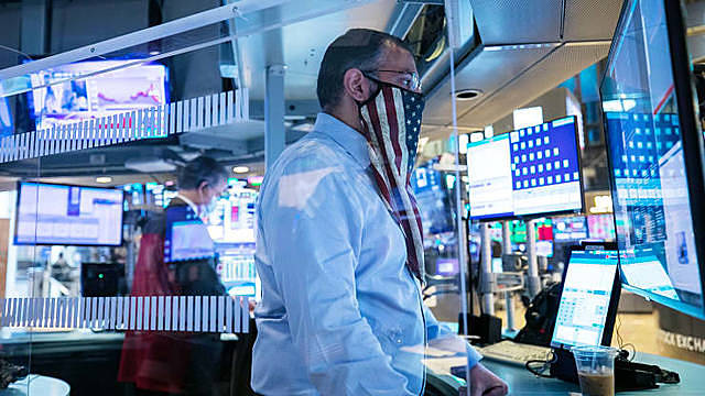 Traders work on the floor of the New York Stock Exchange on Nov. 4th. 2020.