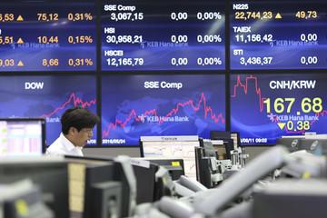 Chứng khoán châu Á trái chiều, cổ phiếu công nghệ Trung Quốc lao dốc