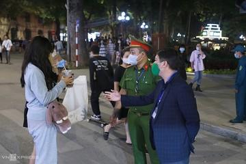Năm khu vực bắt buộc đeo khẩu trang ở Hà Nội