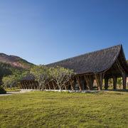 Công trình kiến trúc bằng tre ấn tượng trong khuôn viên nghĩa trang ở Huế