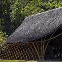<p> Về phương diện kiến trúc, mái tre cong vút lấy cảm hứng từ sự mềm mại, dịu dàng của Huế và sông Hương.</p>