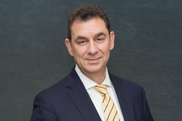 Vừa ra tin vaccine, CEO Pfizer bán 2/3 cổ phiếu công ty