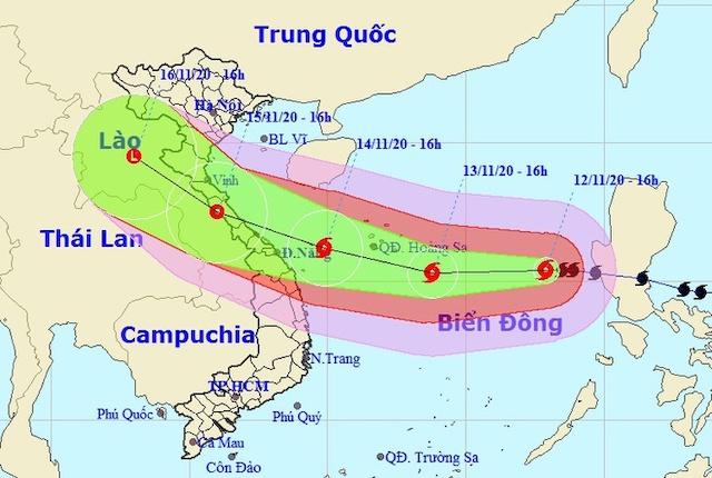 Dự kiến đường đi của bão số 13. Ảnh: NCHMF.