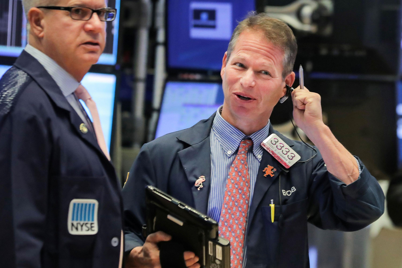 Phố Wall tăng điểm, S&P 500 lập đỉnh lịch sử mới