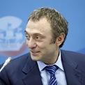"""<p class=""""Normal""""> <strong>Suleiman Kerimov và gia đình</strong></p> <p class=""""Normal""""> Tài sản: 21,2 tỷ USD</p> <p class=""""Normal""""> Tăng: 1,8 tỷ USD</p> <p class=""""Normal""""> Quốc gia: Nga</p> <p class=""""Normal""""> Nguồn tài sản: Đầu tư (Ảnh: <em>Bloomberg</em>)</p>"""