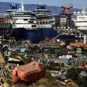 """<p> Đại dịch không chỉ đe dọa tương lai của chủ tàu và người khai thác. Nhiều quốc gia nhỏ, đặc biệt là các đảo, có nguồn doanh thu chủ yếu từ khách du lịch và các hoạt động liên quan gồm nhà hàng, tour tham quan. Công nghiệp du thuyền được cho là đóng góp 2 tỷ USD cho Caribe mỗi năm; riêng tại St Kitts &amp; Nevis, tổng đóng góp kinh tế của du lịch tàu biển là 149 triệu USD (2017-2018). Ả<span style=""""color:rgb(0,0,0);"""">nh: <em>Reuters/ Umit Bektas</em></span></p>"""