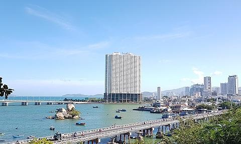 HoREA đề xuất Chính phủ quy định cấp sổ hồng cho condotel, officetel, căn hộ dịch vụ trong quý IV